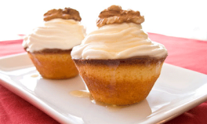 greek-yogurt-dessert-cupcake