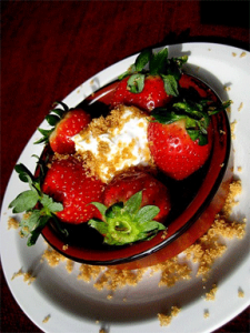 greek-yogurt-dessert-strawberry